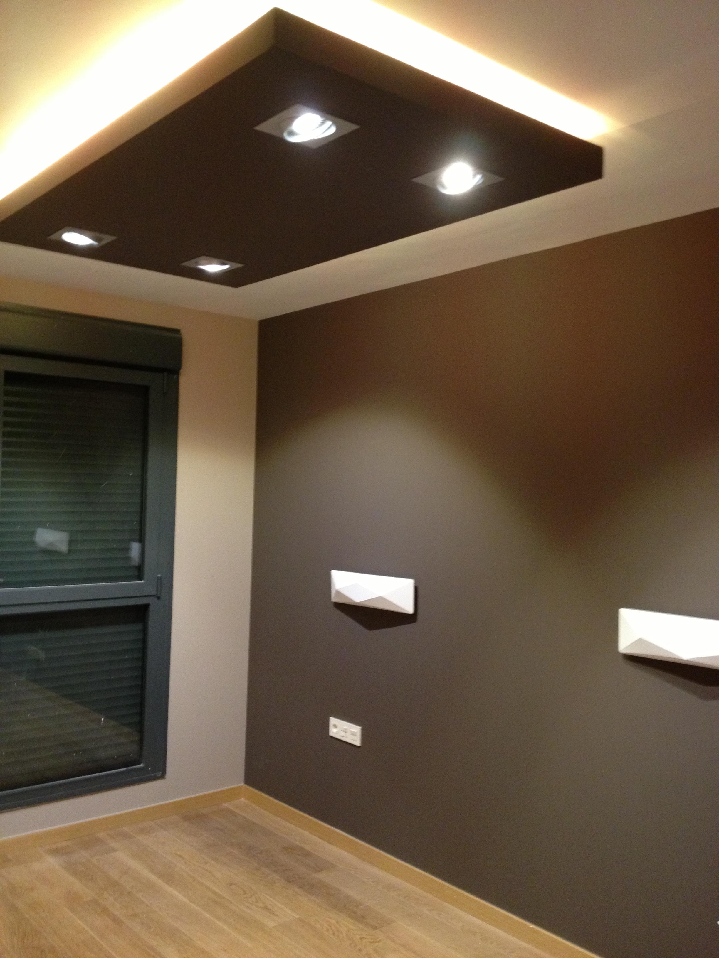 La escayola pladur y las tiras led hacen buen equipo for Techos de drywall para dormitorios