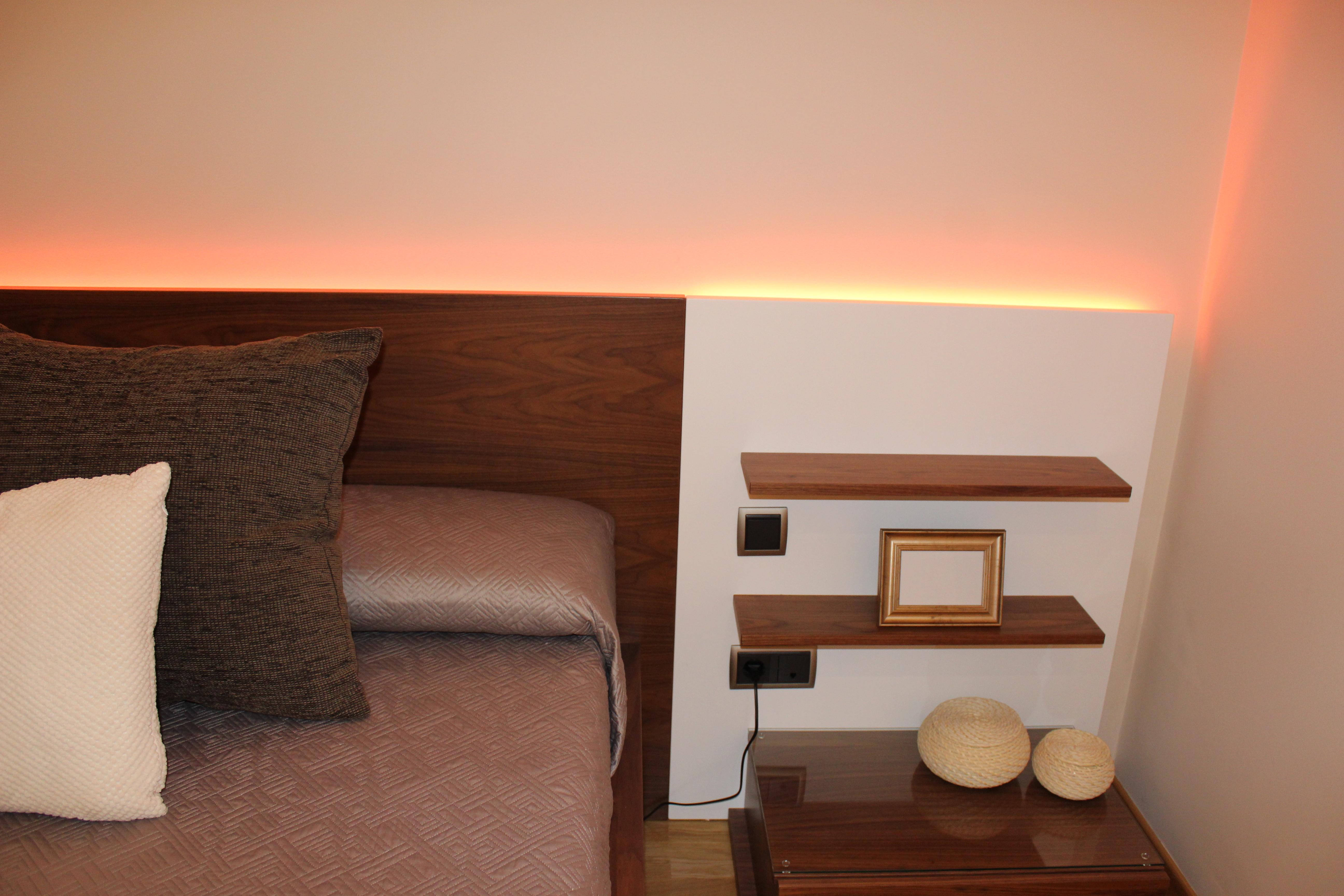 Tira led cabecero cama cabeceros con luces with tira led - Cabeceros con luz ...